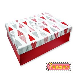 Hallmark圖紋風長型禮物盒(愛心) S(8折)