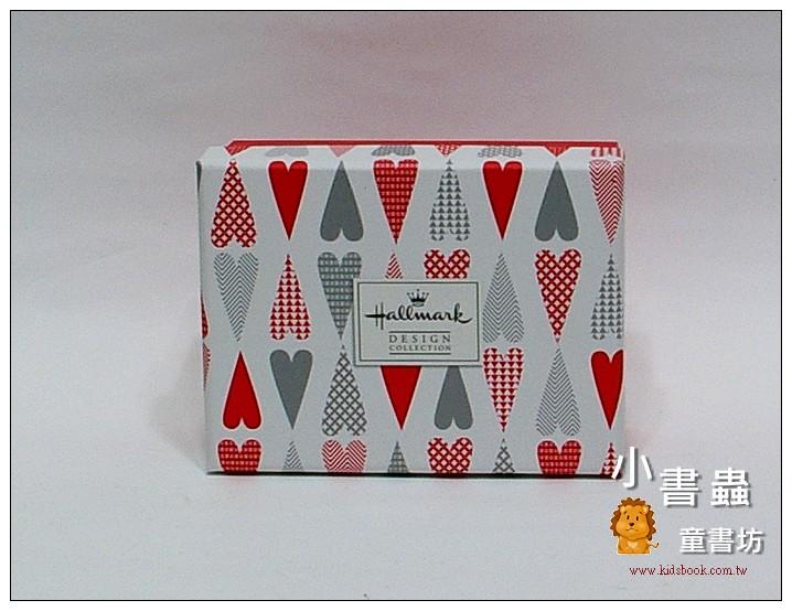 內頁放大:Hallmark圖紋風長型禮物盒(愛心) XS(8折)