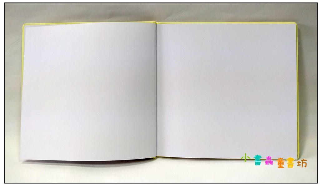 內頁放大:空白繪本D(正方款) (圓角) (封面淡米黃 內頁白) (圖畫紙) (特價品)