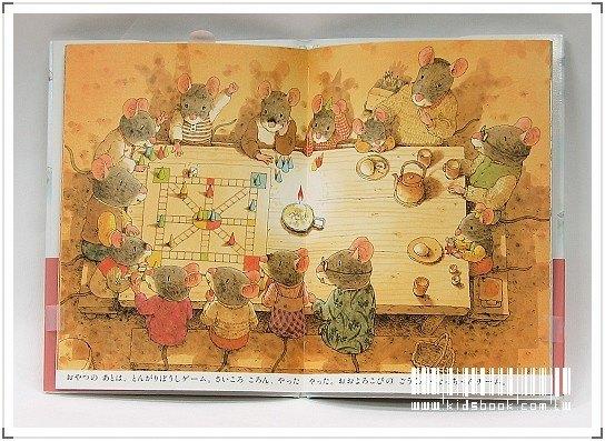 內頁放大:14隻老鼠過冬天(日文版,附中文翻譯)