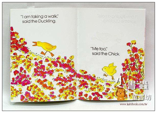 內頁放大:The Chick and the Duckling小雞和小鴨(平裝本)
