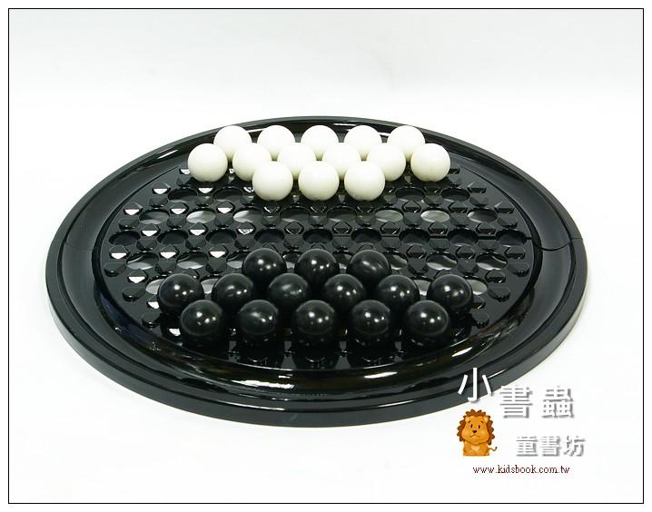 內頁放大:正版「角力棋」(全黑棋盤)(台灣製造)又名「相撲棋」